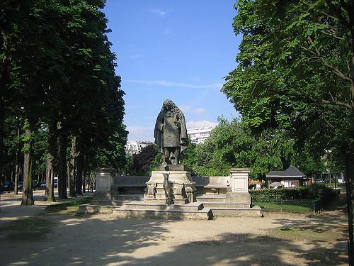 IMG_8862 _ Hommage à Jean de La Fontaine (1983) by Charles Corréia (1945-1988), Jardins du Ranelag, Paris