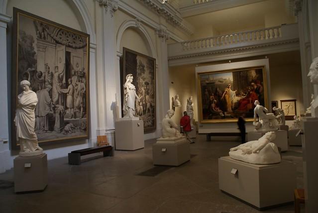 Salle principale des sculptures dans le musée des Beaux Arts à Lyon.