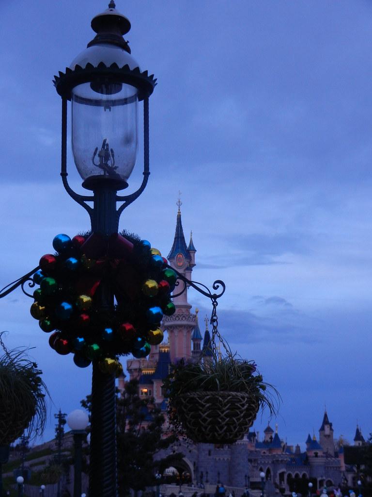 Un séjour pour la Noël à Disneyland et au Royaume d'Arendelle.... - Page 2 13643529934_c27b6493d2_b