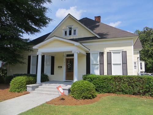 House 307 Kirkland St Abbeville AL