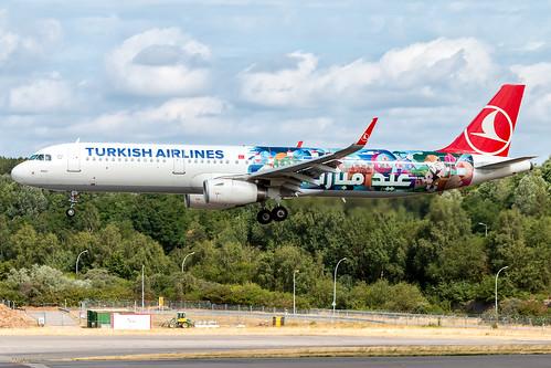 18/07/15 - Turkish A321 TC-JSL 19631899039_85a497c938
