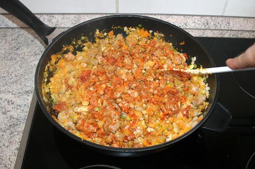 35 - Tomatenmark andünsten / Braise tomato puree