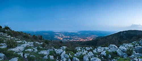 sea panorama france mountains night landscape lights abend bay haze frankreich rocks meer grasse cotedazur nacht cannes bluehour provence landschaft nightfall d700