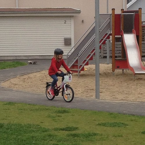She bikes! On her own! #130602