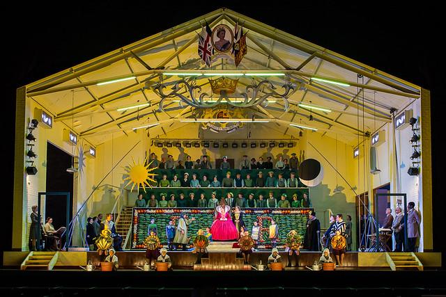 The Royal Opera's Gloriana © ROH / Clive Barda 2013
