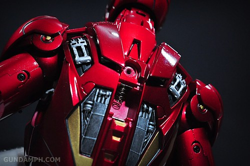 Hot Toys Iron Man 2 - Suit-Up Gantry with Mk IV Review MMS160 Unboxing - day1 (45)