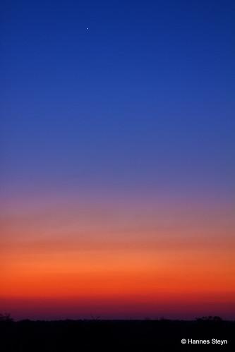 africa sunset red sky sun nature canon southafrica star scenery dusk lodge mpumalanga ngwenya 550d ngwenyalodge hannessteyn canon550d eosrebelt2i tamronsp2470mmf28divcusd