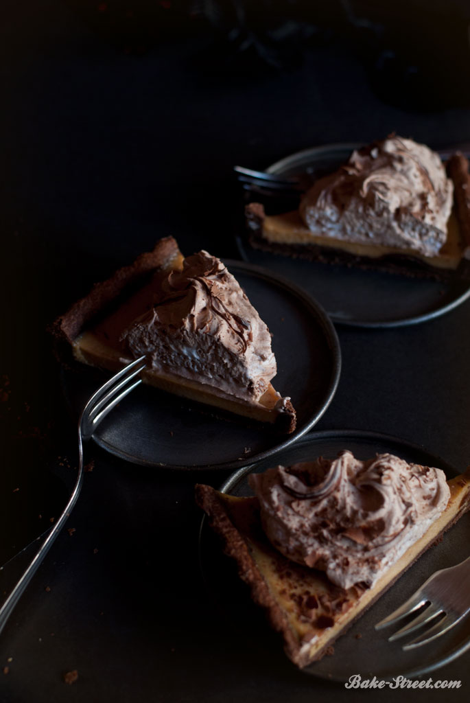 El jinete sin cabeza: Dark Chocolate Pumpkin Pie by Katrina Van Tassel