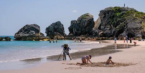 people beach rocks photographer tripod nik horseshoebay bermuda swimmers viveza liimestone topazdetail sigma1770os topazclarity