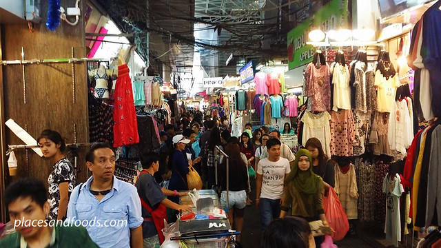 bangkok 25 jan 2014 pratunam market shopping