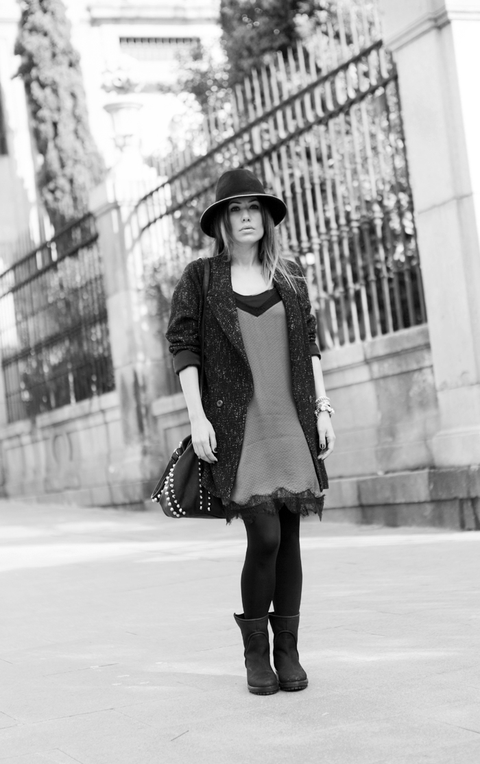 street style barbara crespo grey dots stradivarius dress fashion blogger outfit