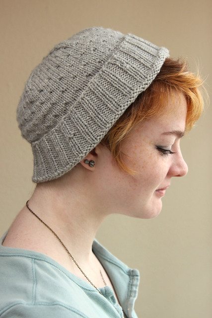 grey knitted jul hat