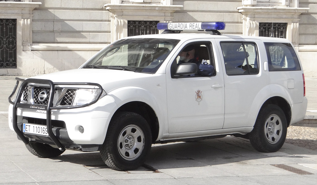Guardia Real  12394636244_e3ae869835_b