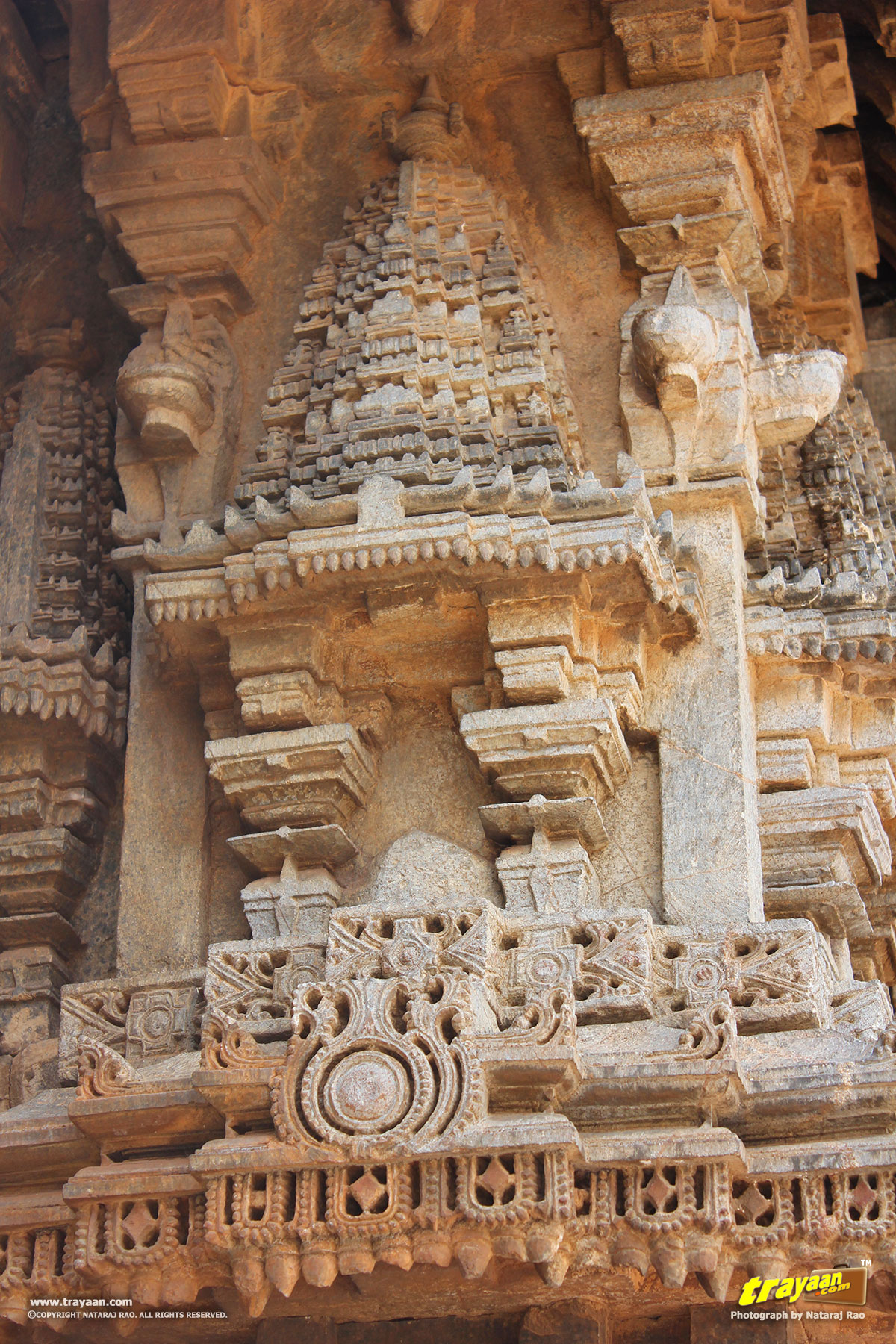 Somanathapura keshava temple trayaan for Outer wall design architecture