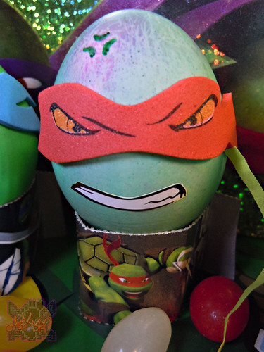 "Dudley's Easter :: Nickelodeon ""TEENAGE MUTANT NINJA TURTLES"" EASTER EGG DECORATING KIT xvi // .. Raph foam mask sticker (( 2014 ))"