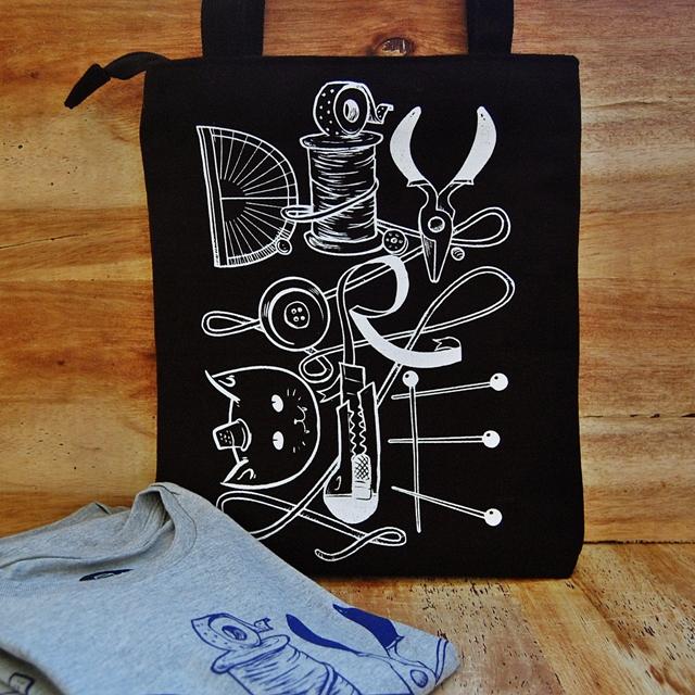 Thimblecap Print DIYorDIE bag-square-sm