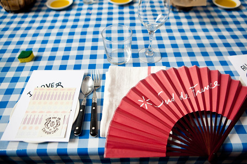 My table setting with the Sud de France fan