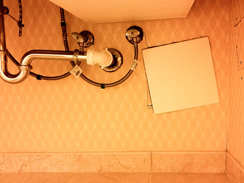The glamout of business travel: finding unusual angles in your hotel room #165/365 by PJMixer