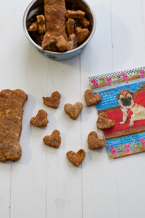 Pumpkin and Apple Dog Cookies #cookieweek