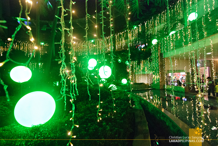 Merry Musical Lights Show at TriNoma Mall
