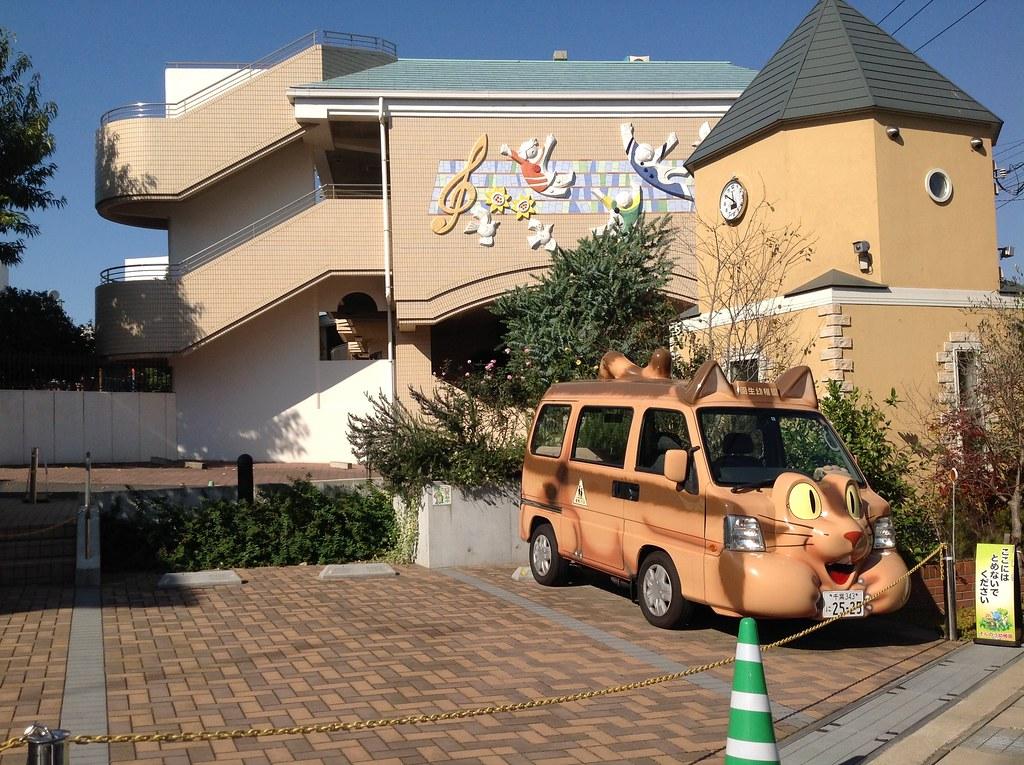 恐怖娃娃車。。