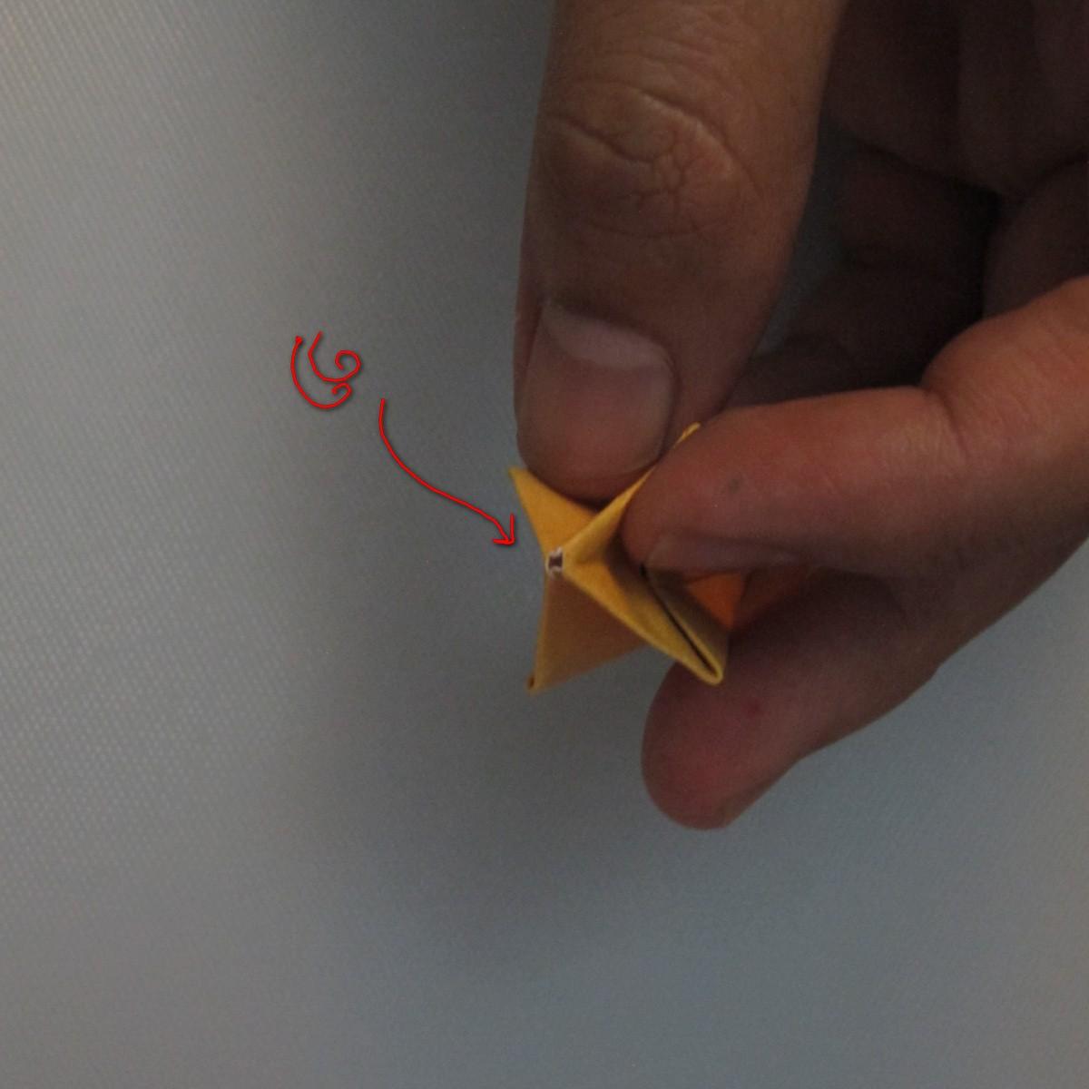 วิธีพับกระดาษเป็นดอกทิวลิป 016