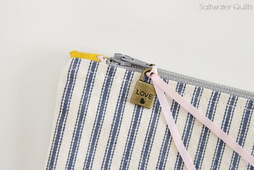 30's Reproduction Zipper Bag