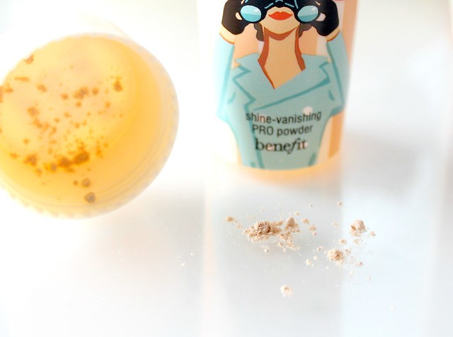 Benefit Porefessional Shine-vanishing PRO Powder Review 10