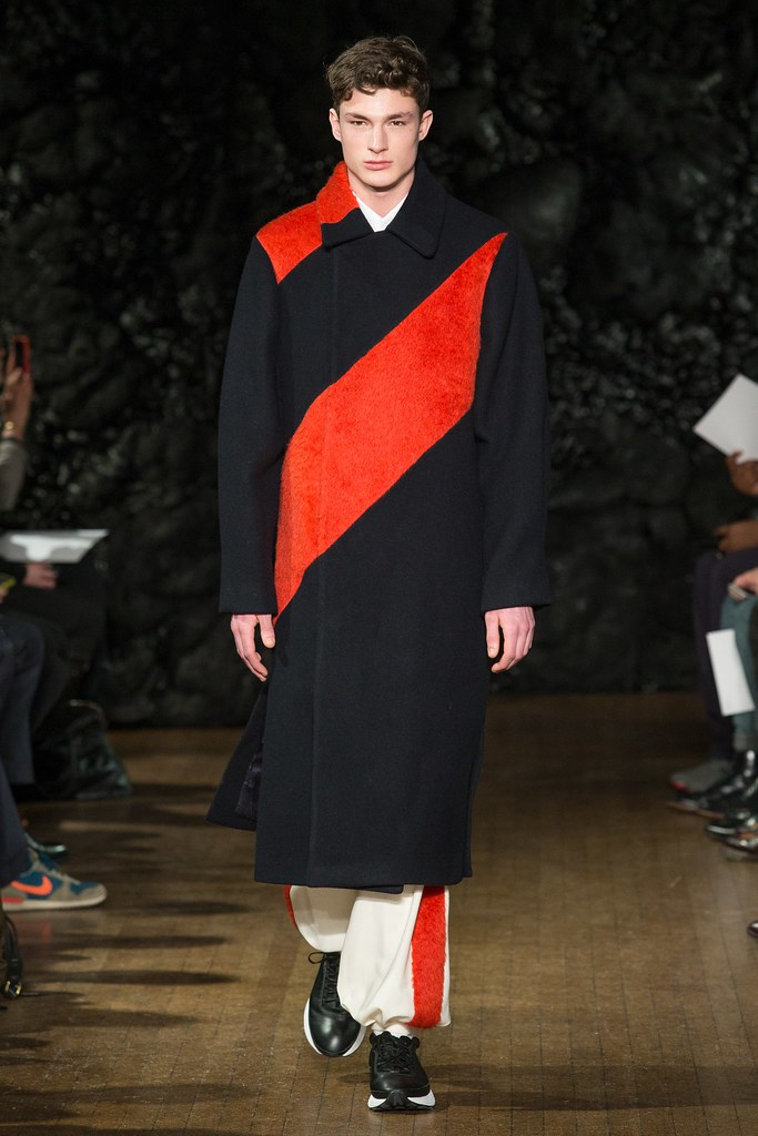 FW14 London Xander Zhou004_Duncan Proctor(VOGUE)