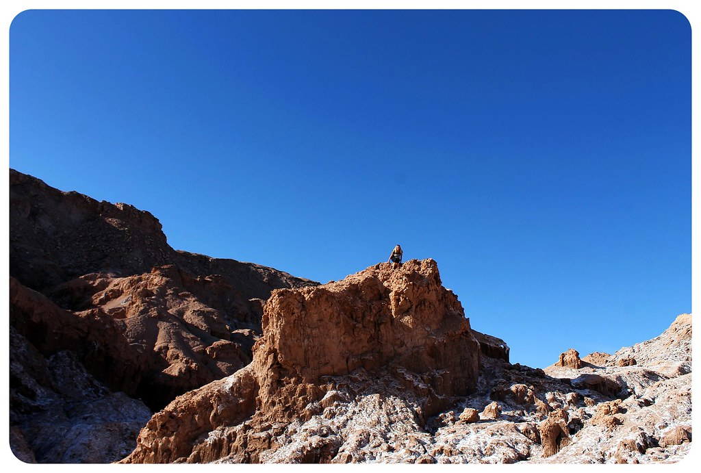 valle de la luna atacama desert salt cave rocks dani