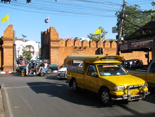 Sorngtaaou (camioneta adaptada como taxi)  en Chiang Mai