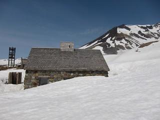 Still 2-3m of snow at 2100m, Asahidake