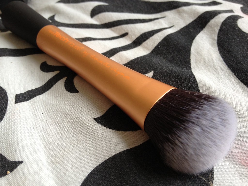 Real_Techniques_Expert_Face_Brush (7)