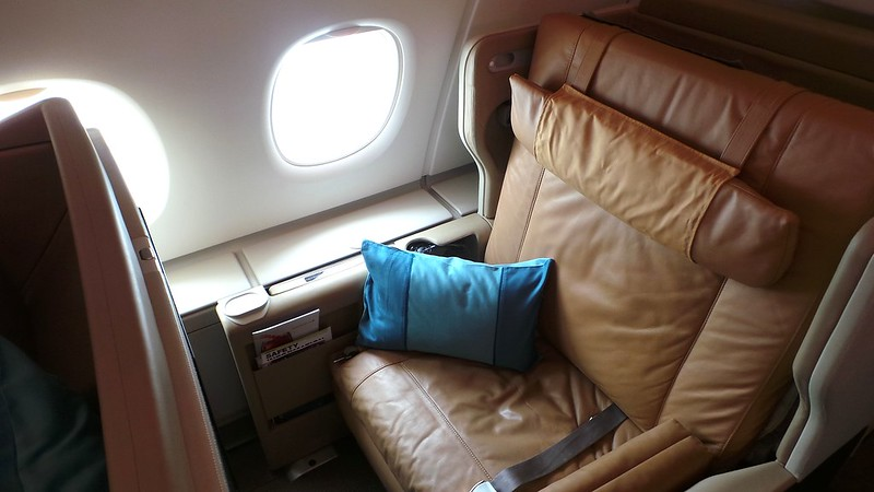 Another view of a Singapore Airlines business class seat