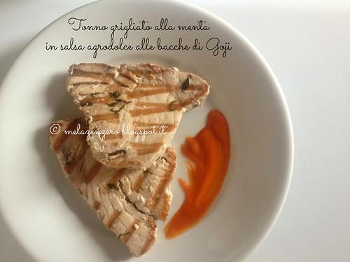 Tonno grigliato alla menta con salsa agrodolce alle bacche di Goji