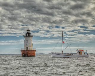 Bugeye Winnie Estelle at Hooper Island Lighthouse