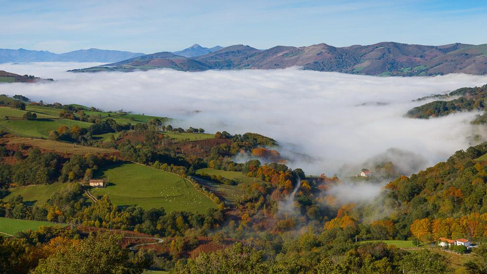 9. Mar de nieblas en el valle de Baztán. Autor, Iloiola