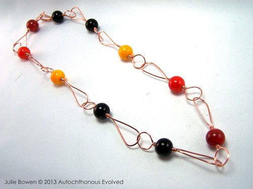 Teardrop wire link necklace with 10mm round lampwork spacers