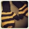 Bee mittens for Felix