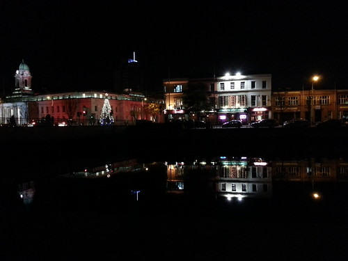 Cork by night - City Hall & Union Quay by despod