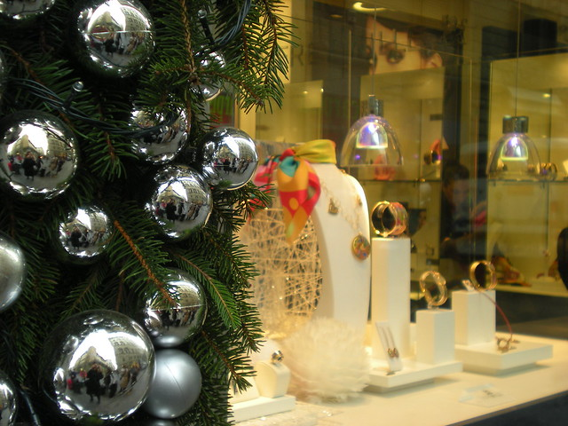 Frey Wille Christmas Window in Florence