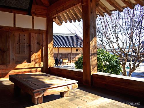 Ejemplo del interior de una de las casas del pueblo artesano de Gyeongju