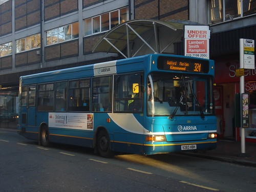 Arriva Shires 3283 on Route 324, Watford High Street