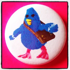 TOYPINCHER CARRIER PIGEON BADGE!