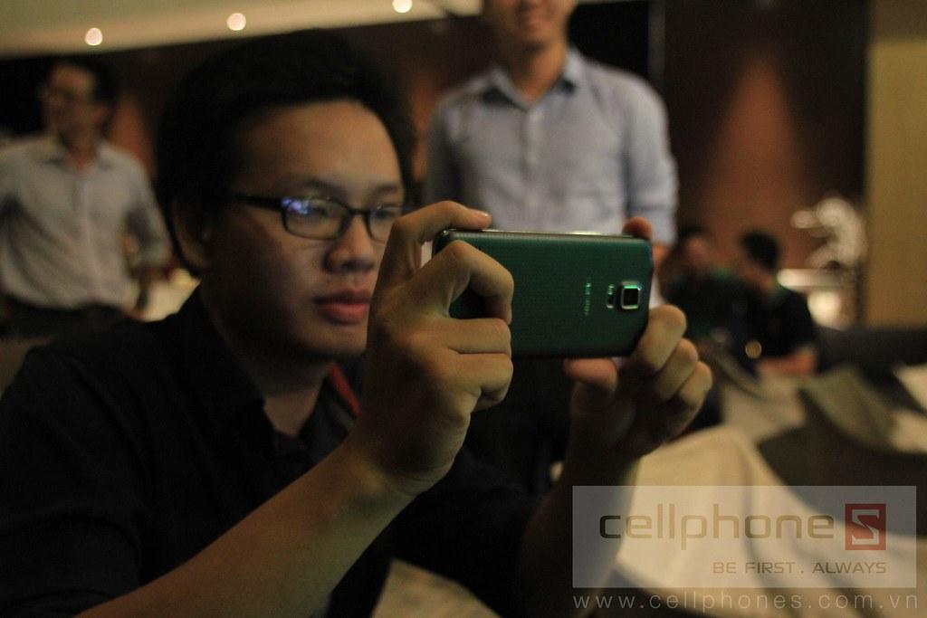 Sforum - Trang thông tin công nghệ mới nhất 13300826405_8e9aa4af7d_b Hình ảnh buổi Offline: Trải nghiệm Galaxy S5
