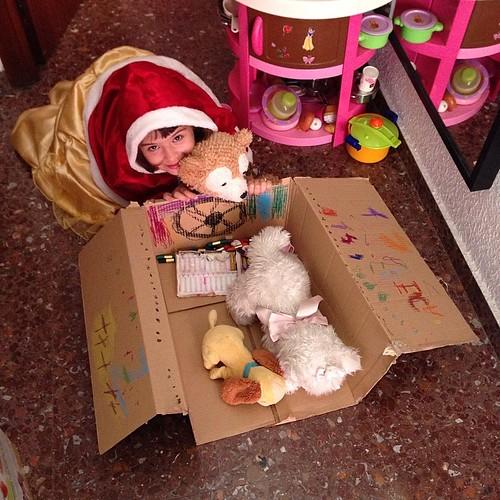 Donde este una caja de cartón que se quiten los juguetes más avanzados...