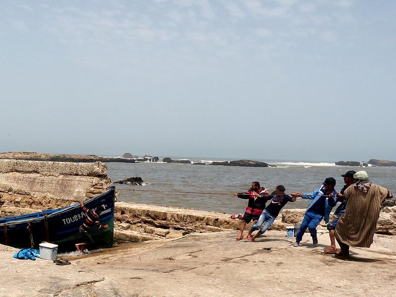 Pulling the boat, Essaouira