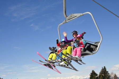 Přehledně: kde děti lyžují zdarma