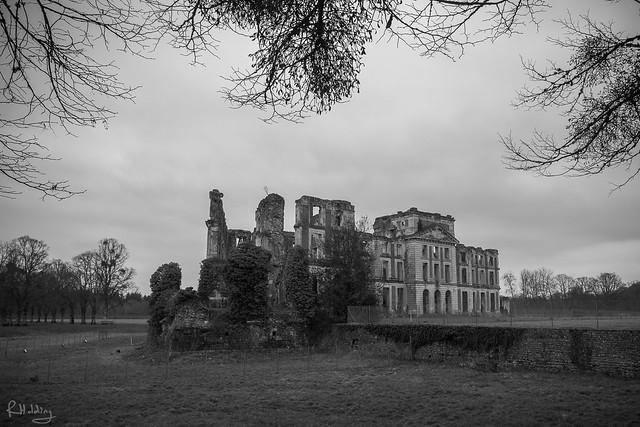Les ruines du Château de la Ferté-Vidame