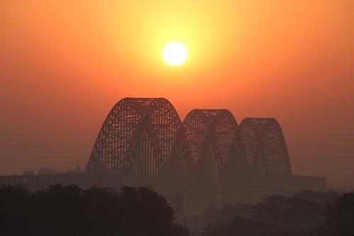sagaing sunrise goldenhour silhouette irrawaddy ayeyarwady newavabridge myanmar burma iron